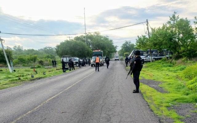 Retiran bloqueos de la carretera Aguililla-Apatzingán en Michoacán - Carretera Aguililla-Apatzingán. Foto de @MICHOACANSSP