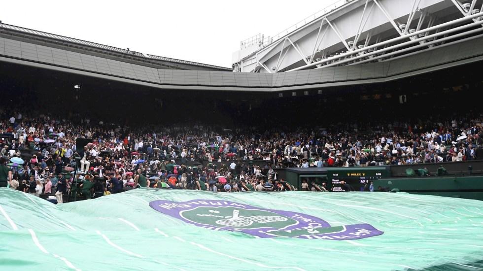 OMS advierte de aumento de casos de COVID-19 relacionados con grandes eventos deportivos - Afición en Wimbledon. La OMS vincula aumento de casos por eventos deportivos con grandes aforos. Foto de EFE/ EPA/ NEIL.