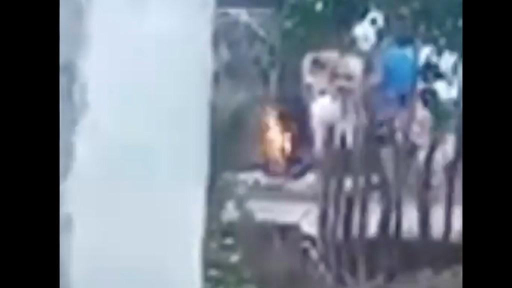 #Video Rescatan a menor que habría sido quemado por su abuela en Chiapas - #Video Rescatan a menor que habría sido quemado por su abuela en Chiapas. Foto tomada de video