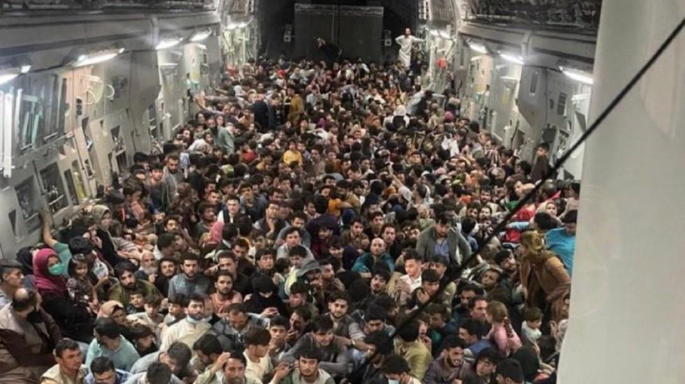 Avión estadounidense despega de Afganistán con más de 600 refugiados - Avión estadounidense despega de Afganistán con más de 600 refugiados. Foto de @simran