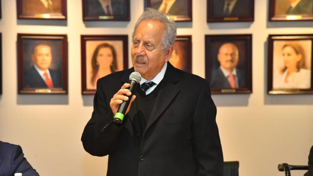 Va Gómez Villanueva, presidente de la Mesa de Decanos, por acuerdos para integrar gobernabilidad en San Lázaro - Augusto Gomez Villanueva