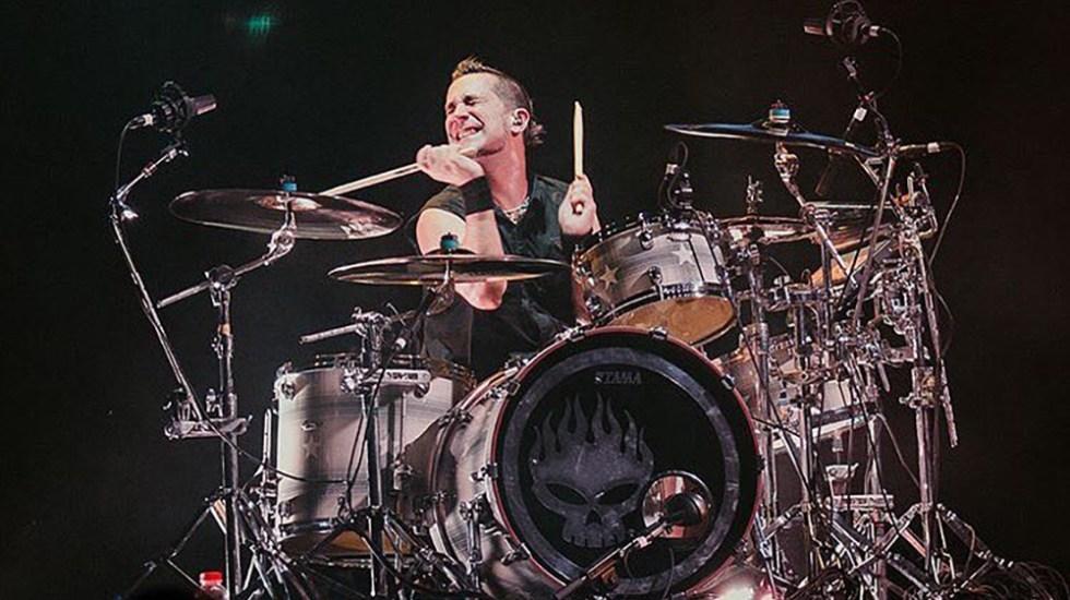 The Offspring expulsa a su baterista por no vacunarse contra COVID-19 - Baterista Pete Parada