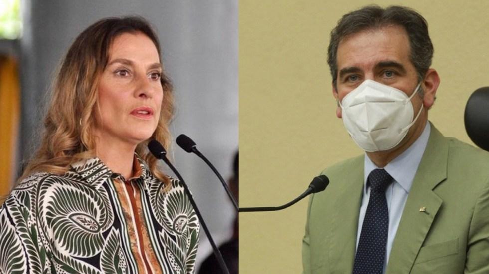 """Beatriz Gutiérrez reprocha no poder votar en consulta popular; """"No es una cuestión del INE"""", responde Lorenzo Córdova - Beatriz Gutiérrez y Lorenzo Córdova"""