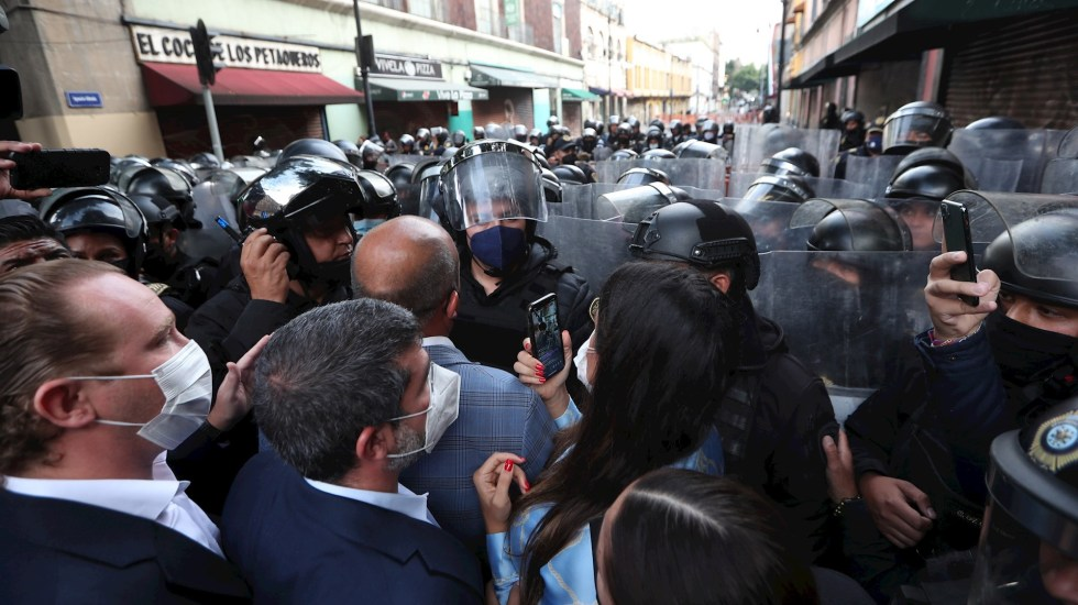 """""""No venía al caso"""" enfrentamiento en el Congreso capitalino: Martí Batres - Ciudad de México confrontación Congreso"""