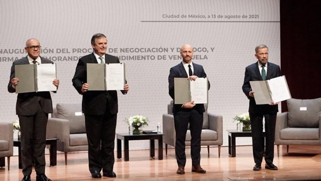 Rusia ofrece sumarse a México en diálogo de Venezuela con oposición - Rusia ofrece sumarse a México en diálogo de Venezuela con oposición. Foto de Twitter Nicolás Maduro