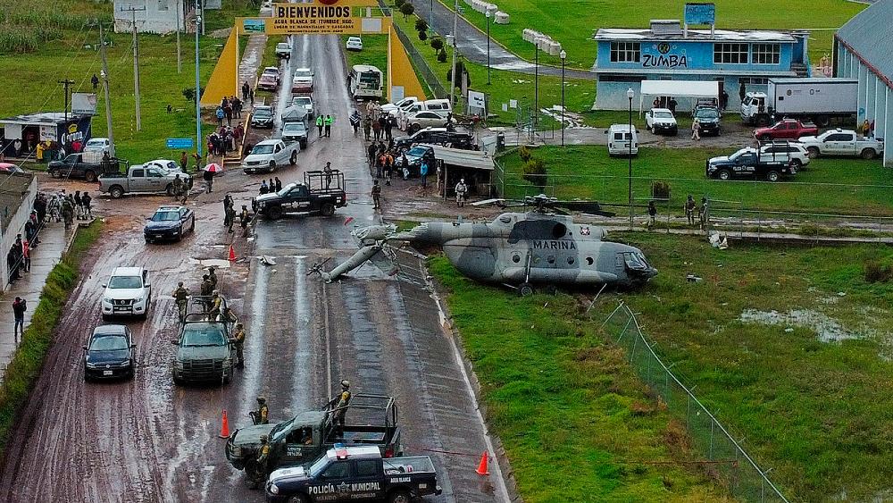 "AMLO asegura que fue ""un accidente"" aterrizaje forzoso de helicóptero en Hidalgo - helicóptero accidente Agua Blanca Hidalgo"