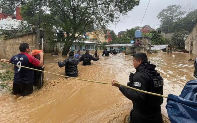 Promete AMLO que no habrá límite presupuestal para ayudar a damnificados por Grace en Veracruz - Huracán grace daños México veracruz servidores