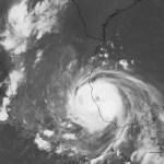 Huracán Grace toca tierra al norte de Tecolutla, Veracruz