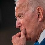 Biden descarta retrasar la retirada de Afganistán, aseguran medios