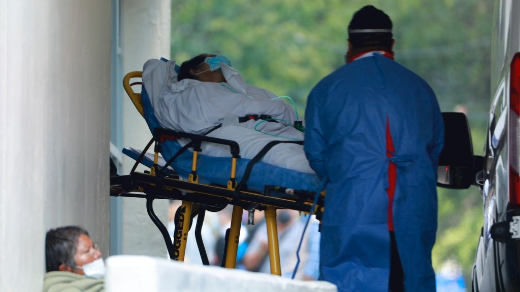 México registró en las últimas 24 horas 14 mil 233 casos y 699 muertes por COVID-19 - México COVID-19 hospital coronavirus pandemia epidemia