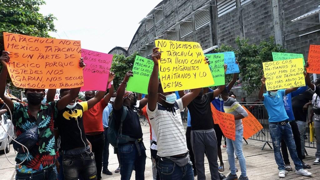 Migrantes varados en México exigen agilizar trámites de refugio - Migrantes varados en México exigen agilizar trámites de refugio. Foto de EFE
