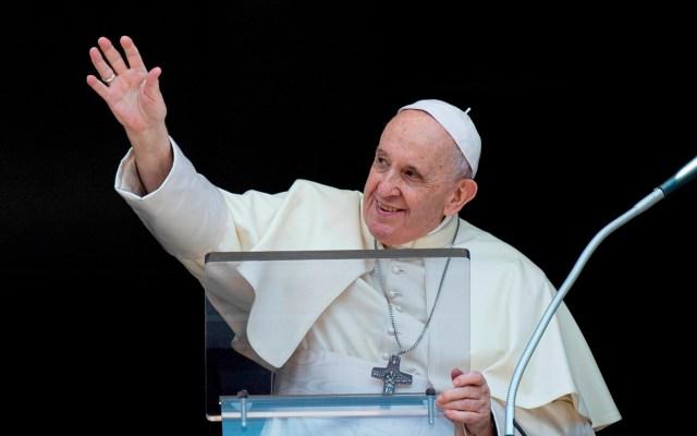 El papa: por desgracia hay hipocresía en la Iglesia y entre sus ministros - Papa Francisco durante rezo del Angelus