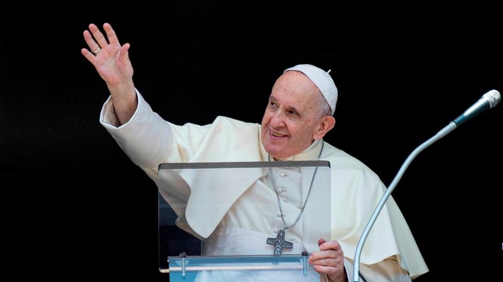 Papa Francisco insta a no buscar a Dios en sueños de grandeza y poder - Papa Francisco durante rezo del Angelus