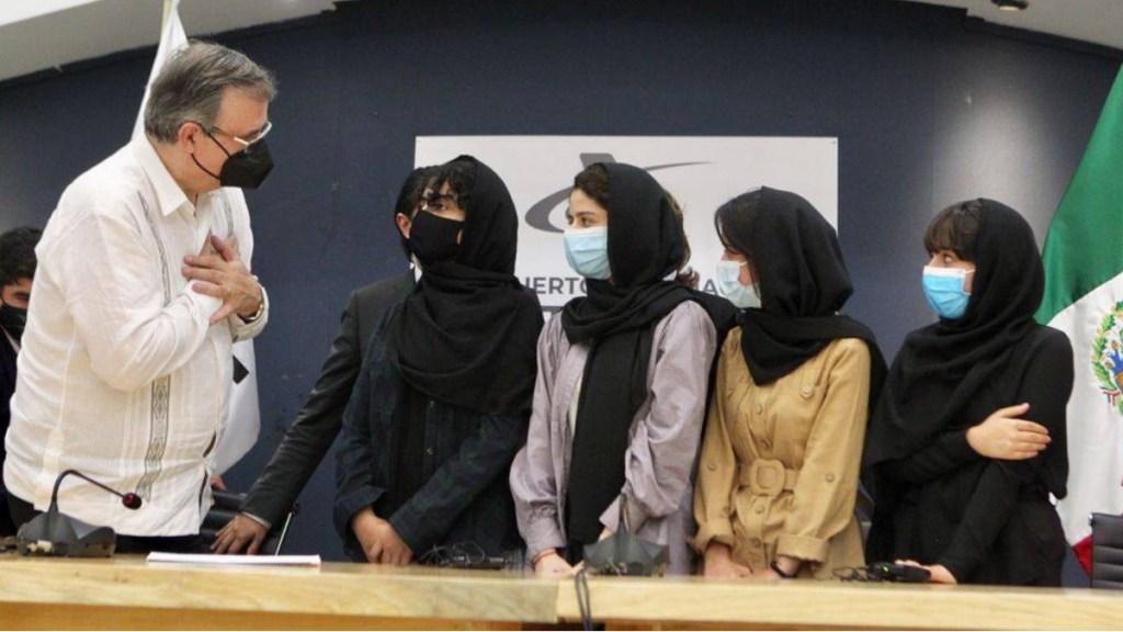 México recibe a primeras solicitantes de status humanitario provenientes de Afganistán - SRE México conferencia Afganistán