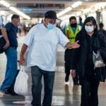 Variante Delta representa 93.4 por ciento de casos en Estados Unidos - Usuarios en aeropuerto de Los Ángeles durante pandemia de COVID-19 en Estados Unidos
