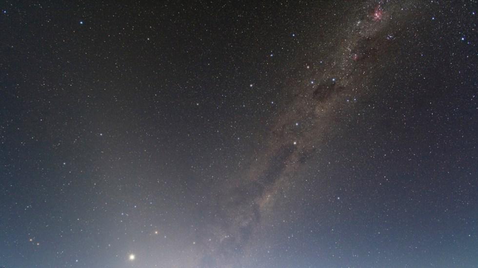 Nuevos hallazgos sugieren que hay planetas habitables fuera del sistema solar - Vía Láctea vista desde la Tierra