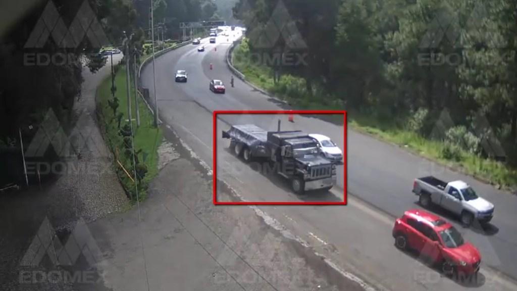 #Video Tractocamión choca contra seis autos sobre la México-Toluca - Accidente sobre la carretera México-Toluca por tractocamión