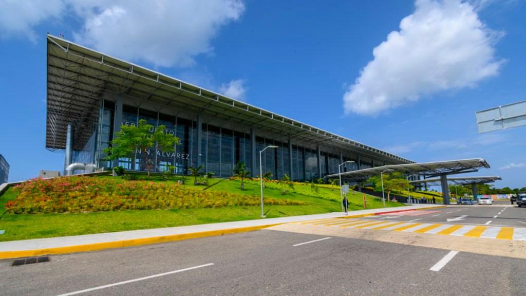 Aeropuerto de Acapulco reanuda operaciones tras afectaciones por sismo - Aeropuerto Internacional de Acapulco