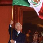 ¡Viva nuestra soberanía, viva el amor al prójimo, vivan las culturas del México prehispánico! el Grito de López Obrador