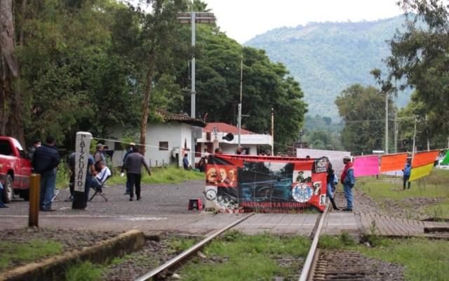 Cumple un mes bloqueo de CNTE a vías en Michoacán; suman mil 600 mdp en pérdidas - Bloqueo de la CNTE a vías ferroviarias de Michoacán