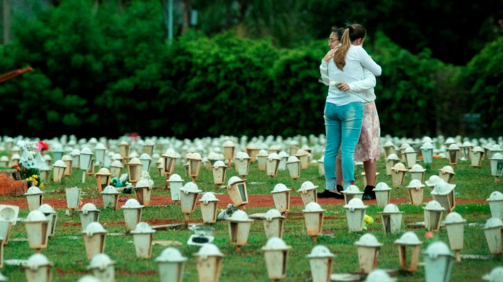 Brasil sobrepasa las 594 mil muertes por COVID-19, aunque pandemia sigue a la baja - Brasil covid coronavirus Brasilia