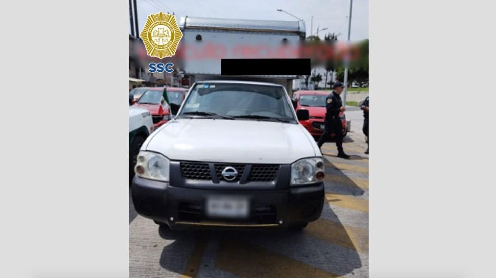 Recuperan camioneta con pruebas COVID-19; hay tres detenidos - camioneta recuperada pruebas COVID CDMX
