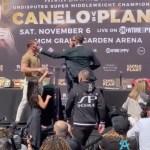 'Canelo' y Plant intercambian golpes durante rueda de prensa