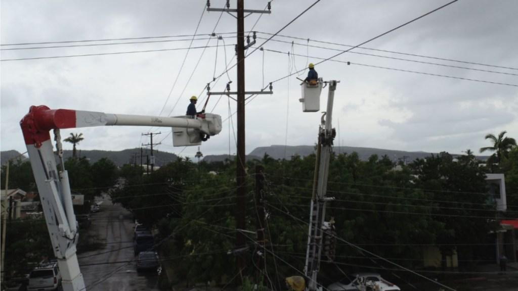 Restablecido al 68 % servicio eléctrico de usuarios afectados por Olaf en BCS - CFE Olaf electricidad servicio BCS 2