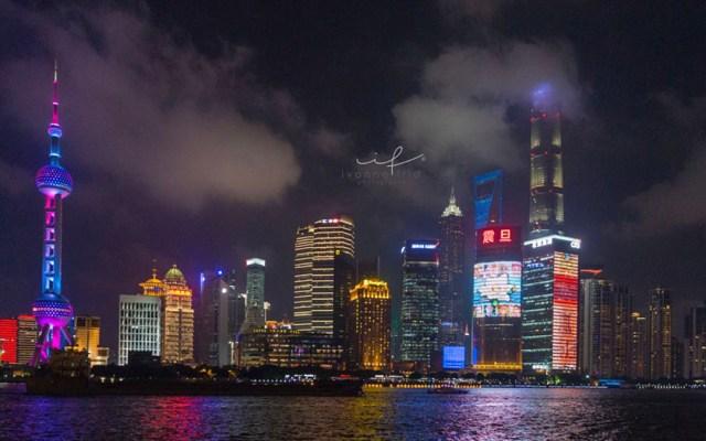 Adrenalina al máximo en el mirador más alto del mundo, por Ivonne Frid - Shanghái, China.