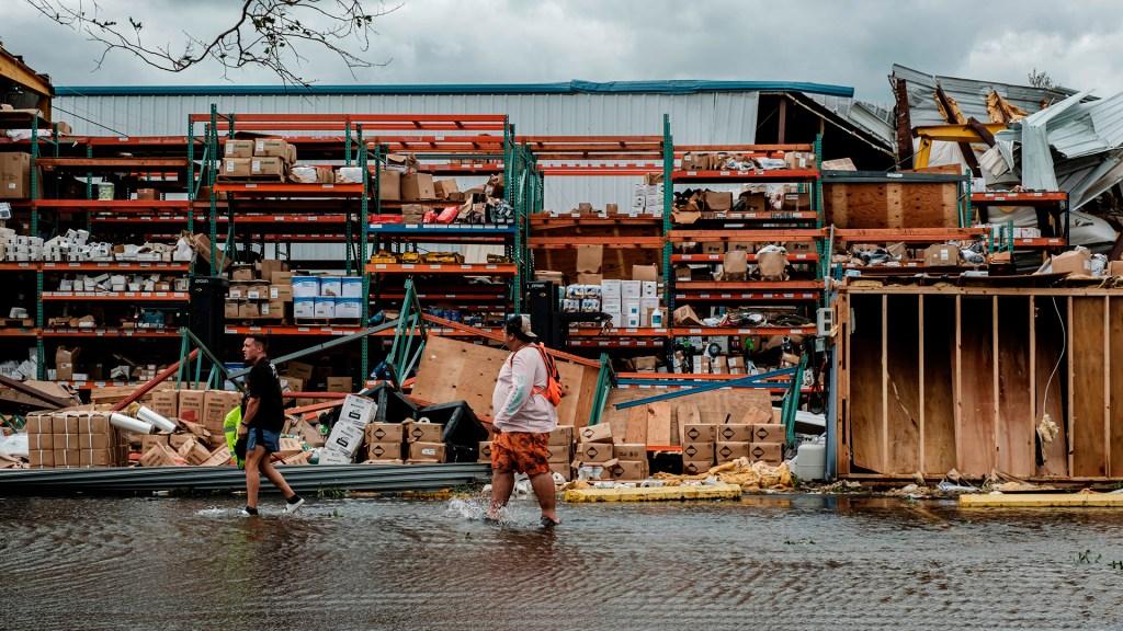"""Biden promete ayuda para afectados por huracán Ida; """"estamos juntos en esto"""", asegura - Daños en Louisiana tras paso del huracán Ida"""