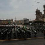 Desfile militar Independencia México soldados