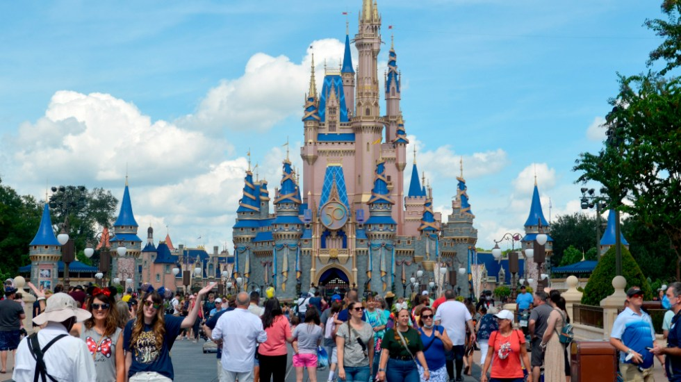 Disney World cumple 50 años con la promesa de seguir creando magia - Disney 50 años