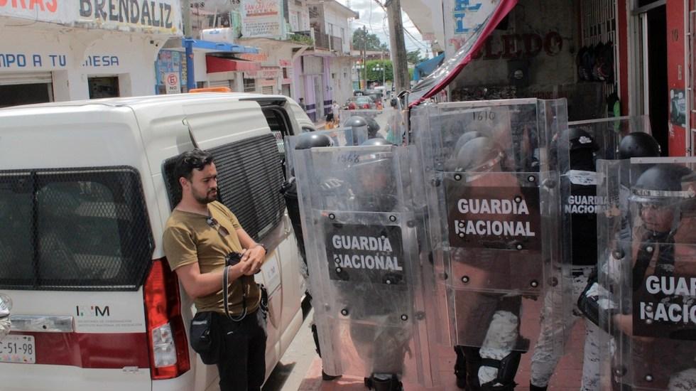 Agentes dispersan tercera caravana migrante en Chiapas - Agentes dispersan tercera caravana migrante en Chiapas. Foto de EFE