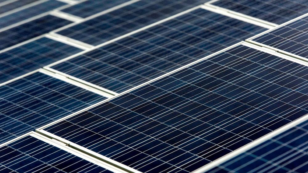 Biden quiere que el sol genere 45 % de la electricidad en EE.UU. para 2050 - energía solar paneles solares Biden