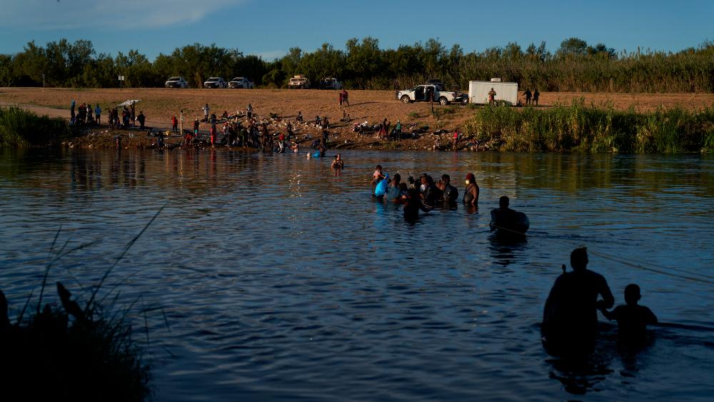migrantes Haití haitianos campamento Del Río Texas