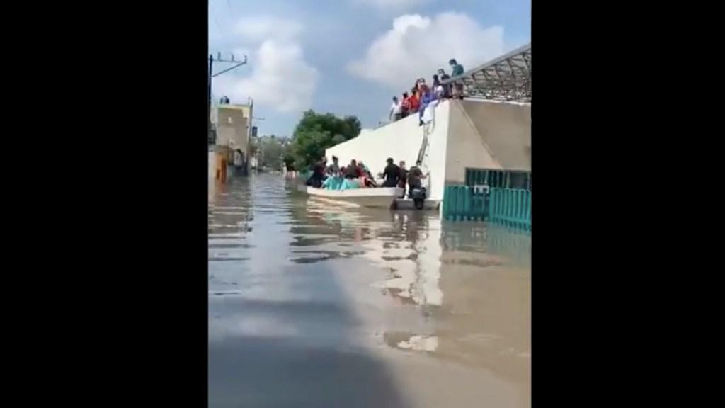 Seguirá la lluvia en el Valle de México; AMLO pide trasladarse a zonas altas o albergues - Lamenta AMLO muerte de 17 personas en hospital del IMSS en Tula. Foto tomada de video