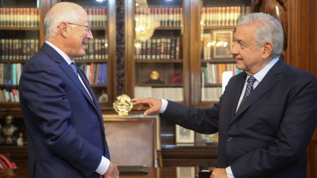 Ken Salazar, embajador de EE.UU. en México, entrega cartas credenciales a López Obrador - Ken Salazar México Estados Unidos AMLO López Obrador cartas