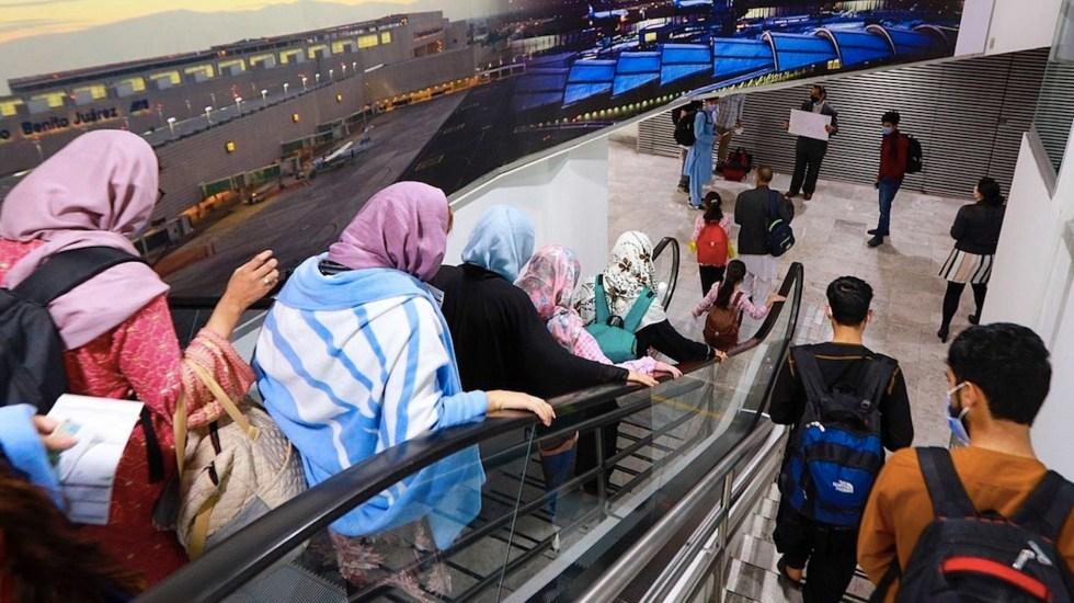 Ofrecen apoyo a 175 refugiados afganos llegados a México - Ofrecen apoyo a 175 refugiados afganos llegados a México. Foto de EFE