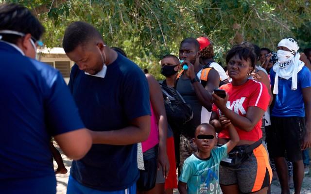 Al menos 230 mil migrantes buscan protección en México, estima informe - Migrantes haitianos
