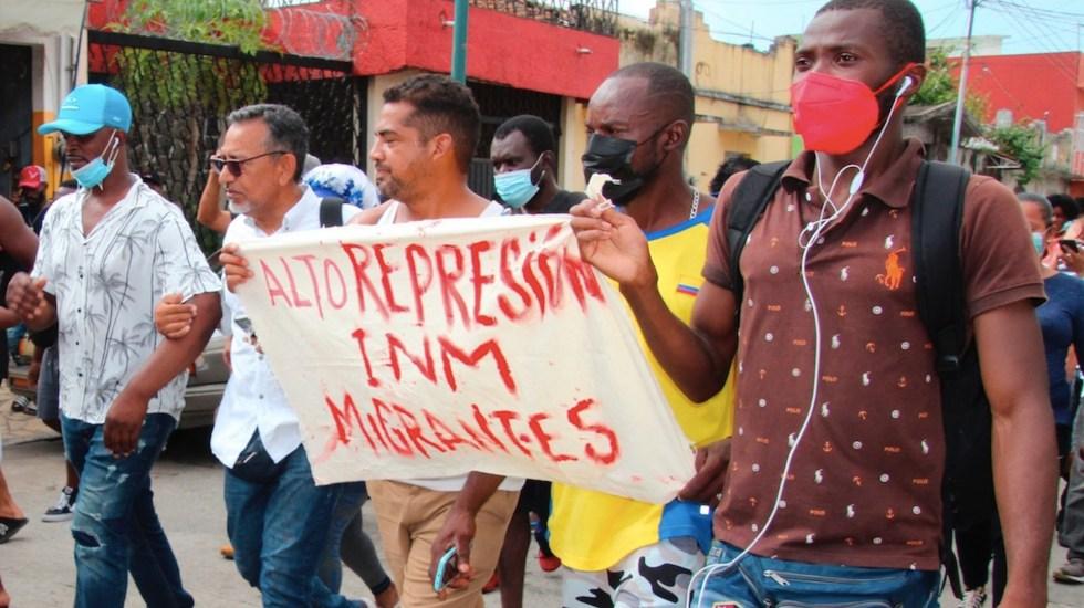 Migrantes marchan y realizan bloqueos en Tapachula - Migrantes marchan y realizan bloqueos en Tapachula. Foto de EFE