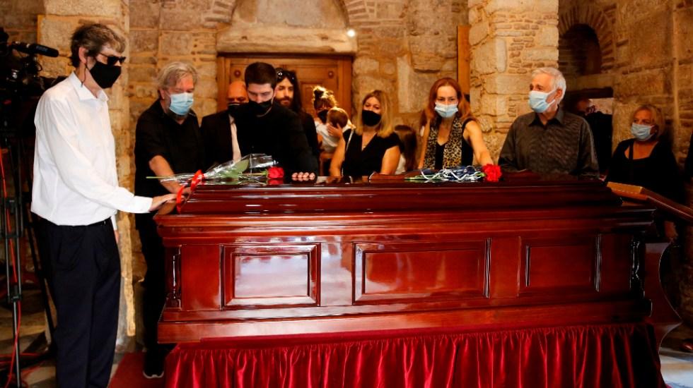 Centenares de griegos despiden a Mikis Theodorakis en la capilla ardiente - Mikis Theodorakis capilla ardiente