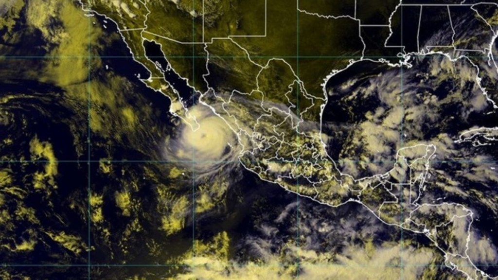 Olaf, próximo a tocar tierra en Baja California Sur - Olaf Baja California Sur México Huracán
