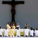 El papa Francisco se encuentra con los líderes cristianos en Bratislava - El papa Francisco viajó a Hungría para oficiar la misa de clausura del congreso eucarístico, que tuvo sede en la plaza de los Héroes de Budapest. Foto de EFE