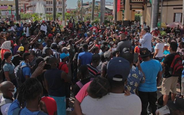 Activistas y migrantes realizan huelga de hambre en México pidiendo partir en caravana - Protesta de migrantes en Tapachula, Chiapas. Foto de EFE