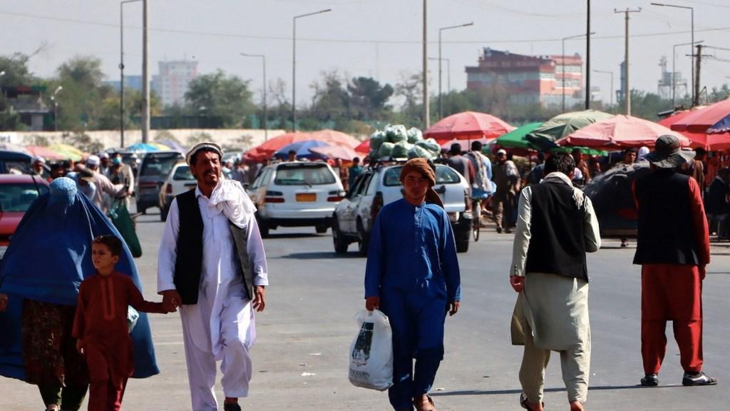 Aeropuerto de Kabul reanuda vuelos nacionales - Aeropuerto de Kabul reanuda vuelos nacionales. Foto de EFE
