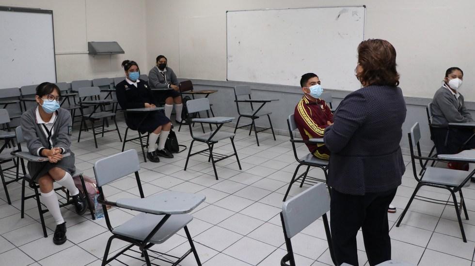 Suspenden clases en dos prepas de Puebla por un caso positivo y dos sospechosos de COVID-19 - Regreso a clases presenciales en Puebla