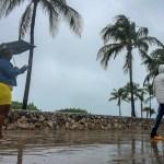 Sam se intensifica a huracán categoría 3; llegará a 4