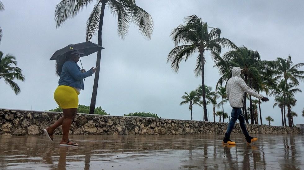 Sam se intensifica a huracán categoría 3; llegará a 4 - Sam se intensifica a huracán categoría 3; llegará a 4. Foto de EFE