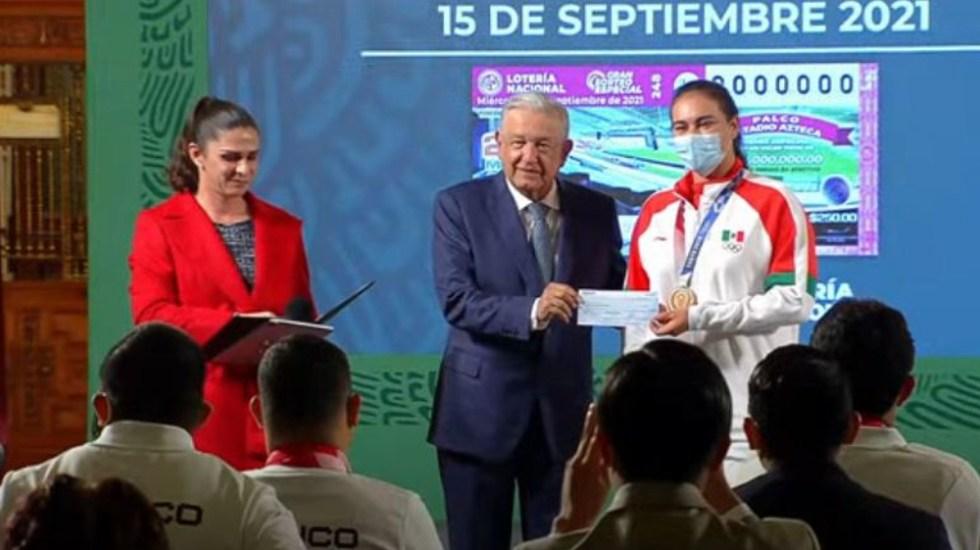 Tokio 2020: AMLO entrega más de 110 mdp en estímulos a atletas - AMLO Valencia Guevara Tokio 2020