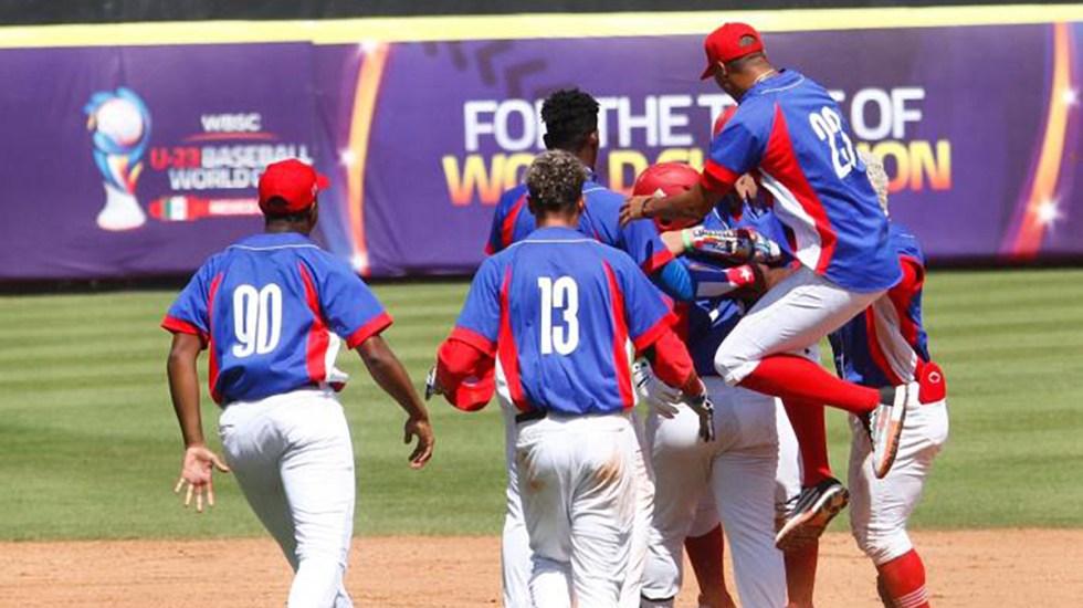 Cuba condena deserción de beisbolistas en Mundial Sub-23 - Beisbolistas de Cuba durante Mundial Sub-23